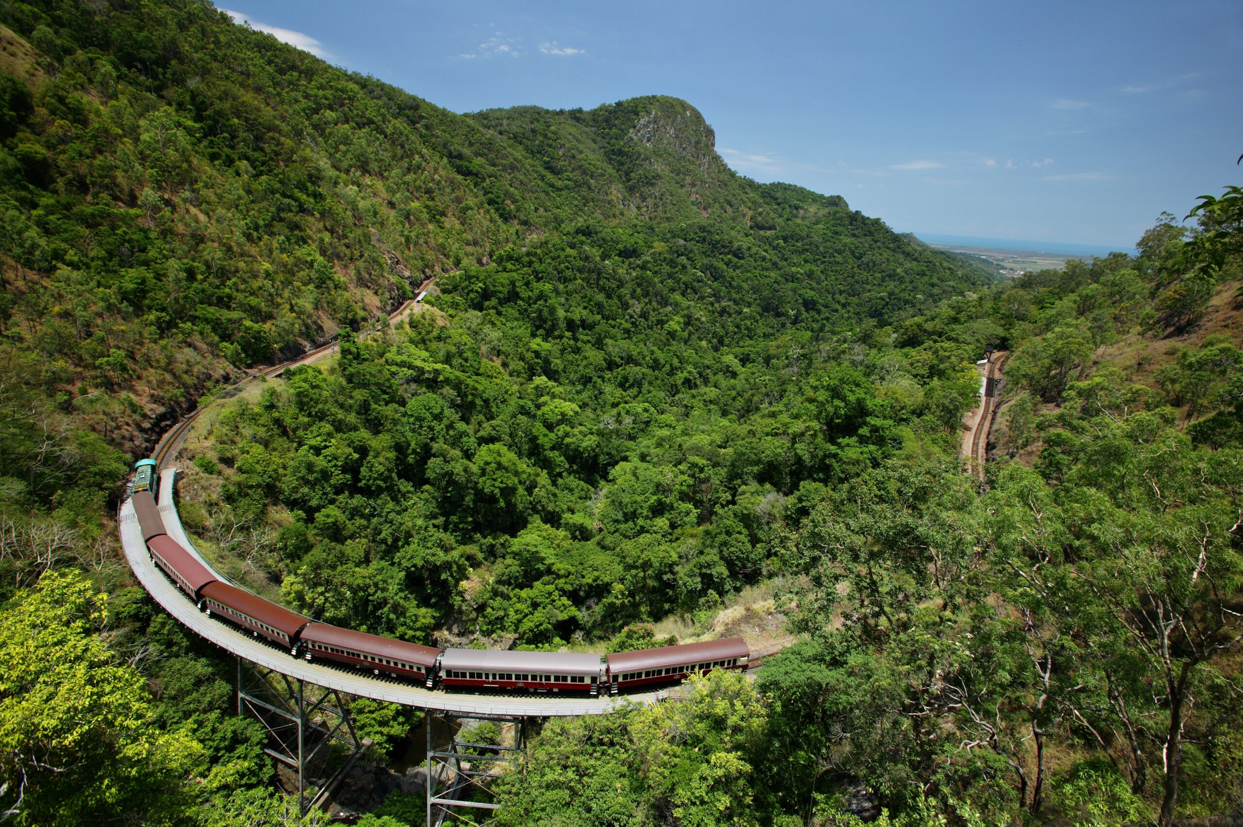 Kuranda: Skyrail and Scenic Rail Gold Class S-1100 Q-1530 XC