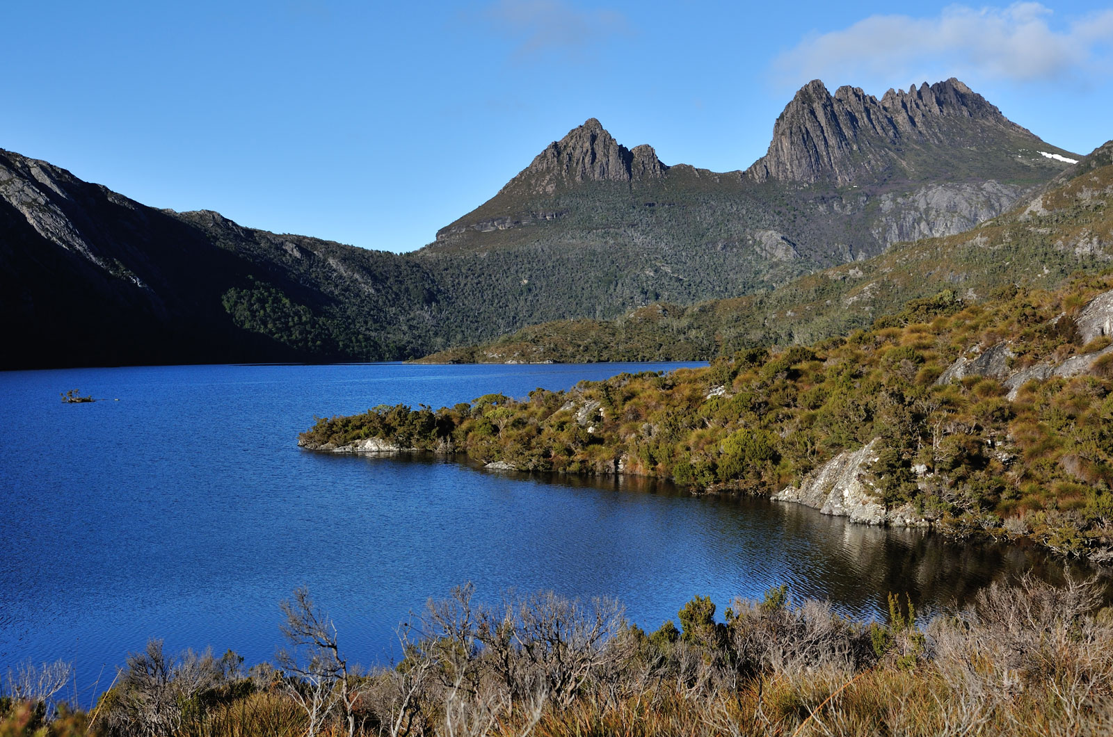 Dove-Lake-part-Cradle-Mountain-St-Clair