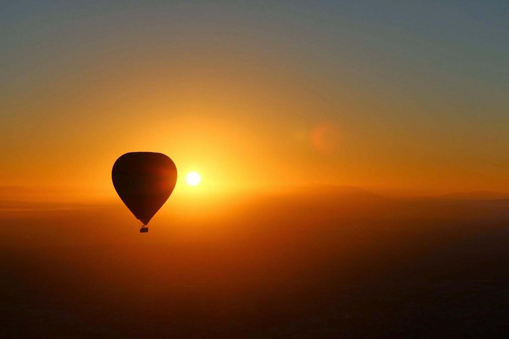 Adventure Balloon Flight inTasmania