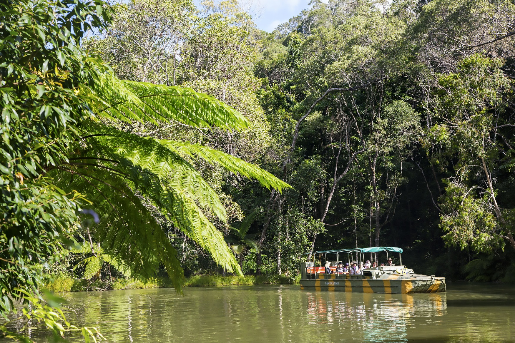 Kuranda: Skyrail, Rainforestation, Lunch and Scenic Rail (includes lunch) S-0945 Q-1530 XN