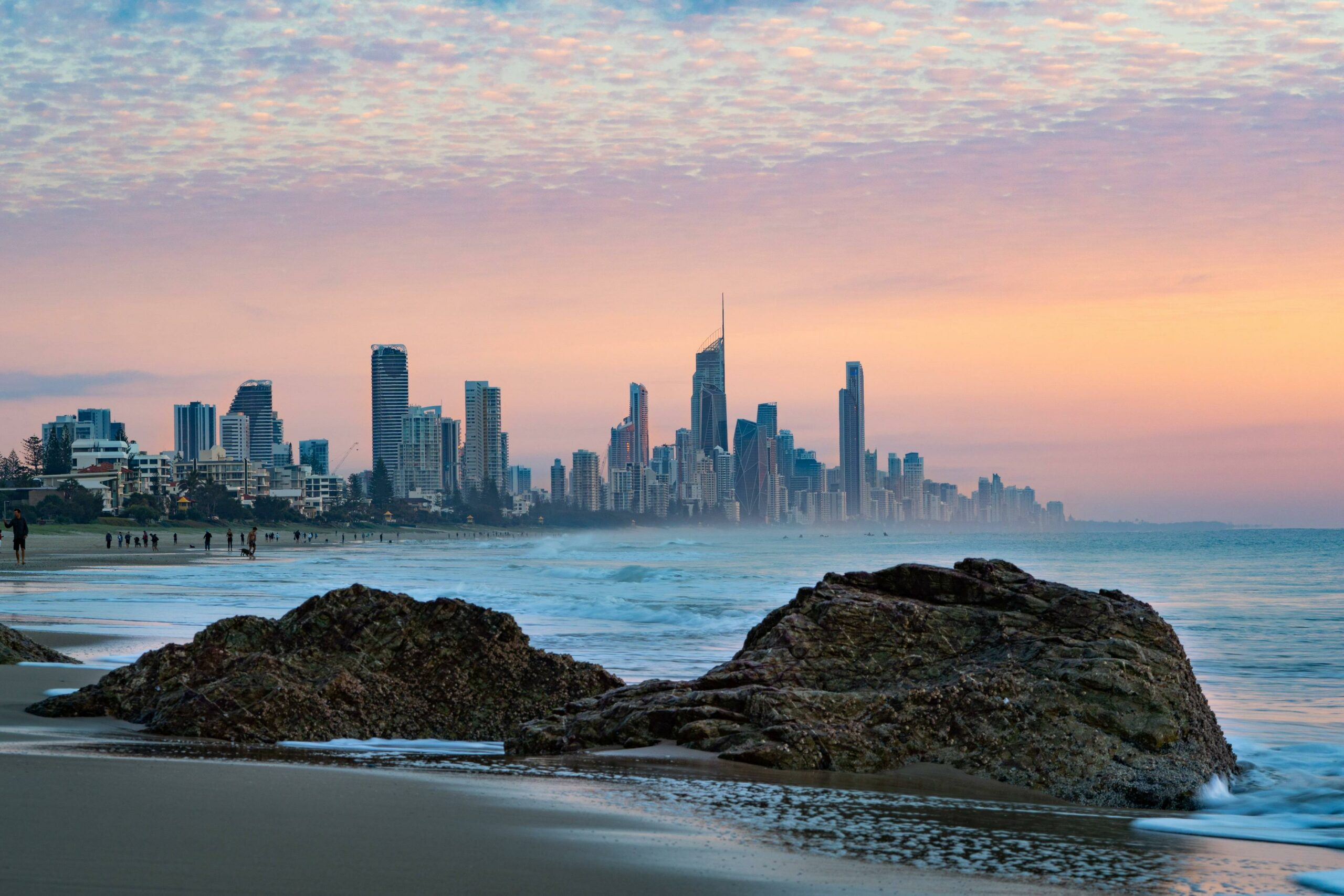Best of Gold Coast – Land and Sea with pickup and Pelican Feeding