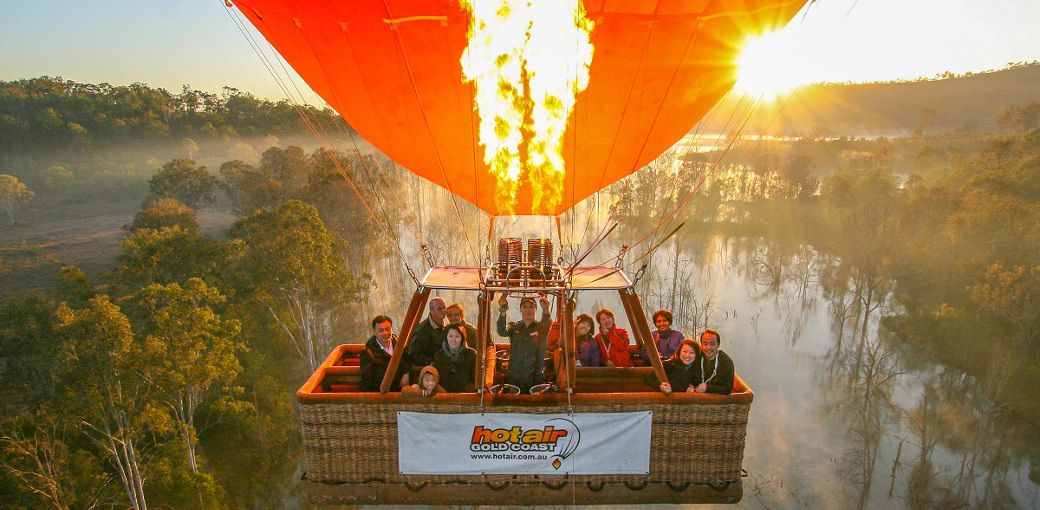 Gold Coast Hot Air Balloon Flight with Breakfast and FREE Photo