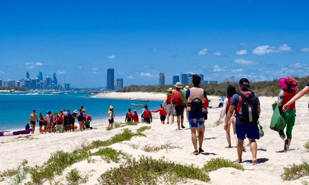 Gold Coast Kayaking and Snorkelling Tour to Wavebreak Island