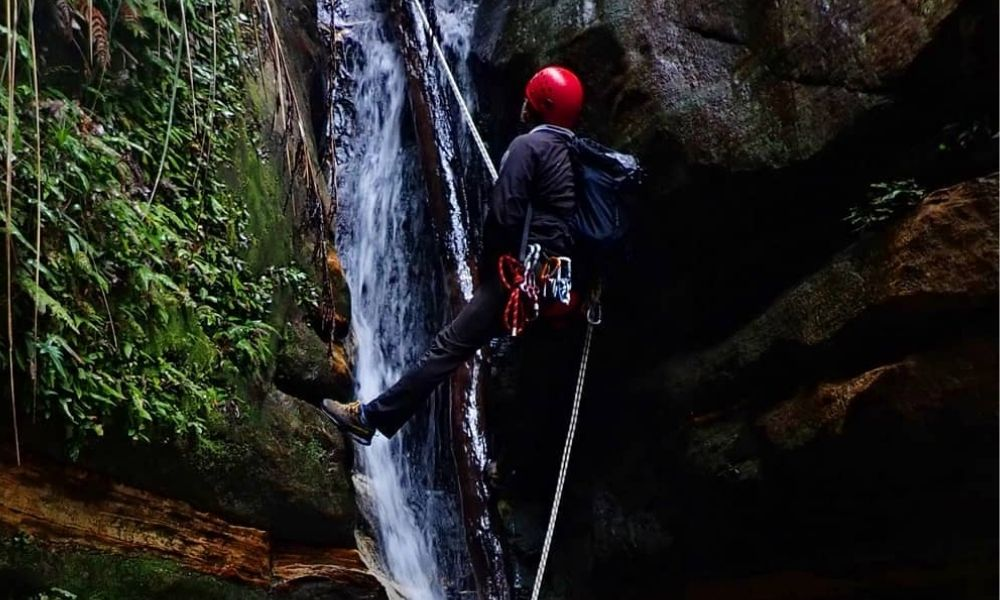 Blue Mountains Abseiling And Canyoning