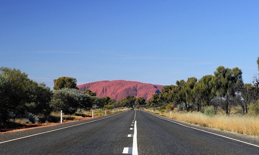 Alice Springs to Ayers Rock Transfer