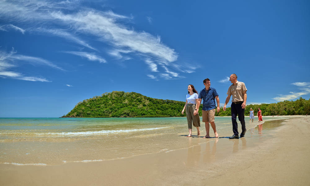 Cape Tribulation and Daintree Rainforest 4WD Day Tour