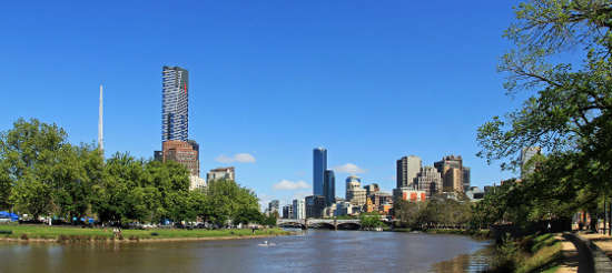 Melbourne City to Williamstown 2 hour Return Cruise