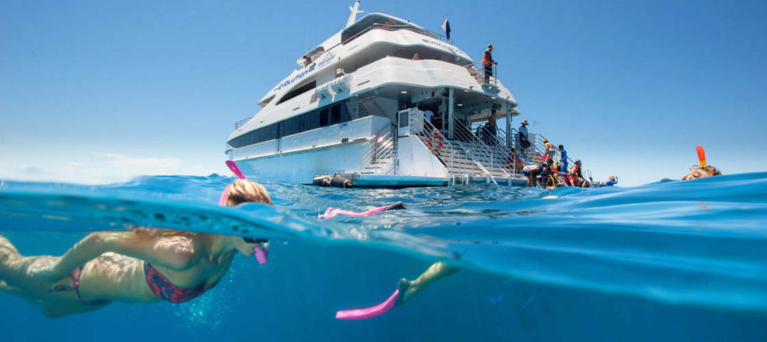 Great Barrier Reef Scenic Flight & Cruise Packages