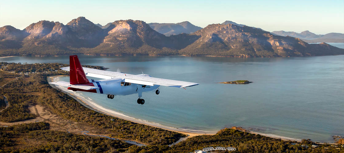 Wineglass Bay and Wildlife Tour with Scenic Flights from Hobart