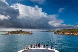 Gordon-River-Cruises-Paul-Fleming-129764-300x200