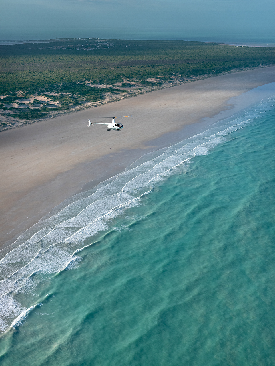 Pearls and Coast Scenic Helicopter Flight & Pearl Farm Tour with Lunch