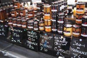 Salamanca-Market-Tourism-Tasmania-Melinda-Ta-117697-300x200