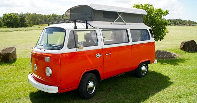 Bettsy - Automatic 1974 VW Kombi T2 Campervan