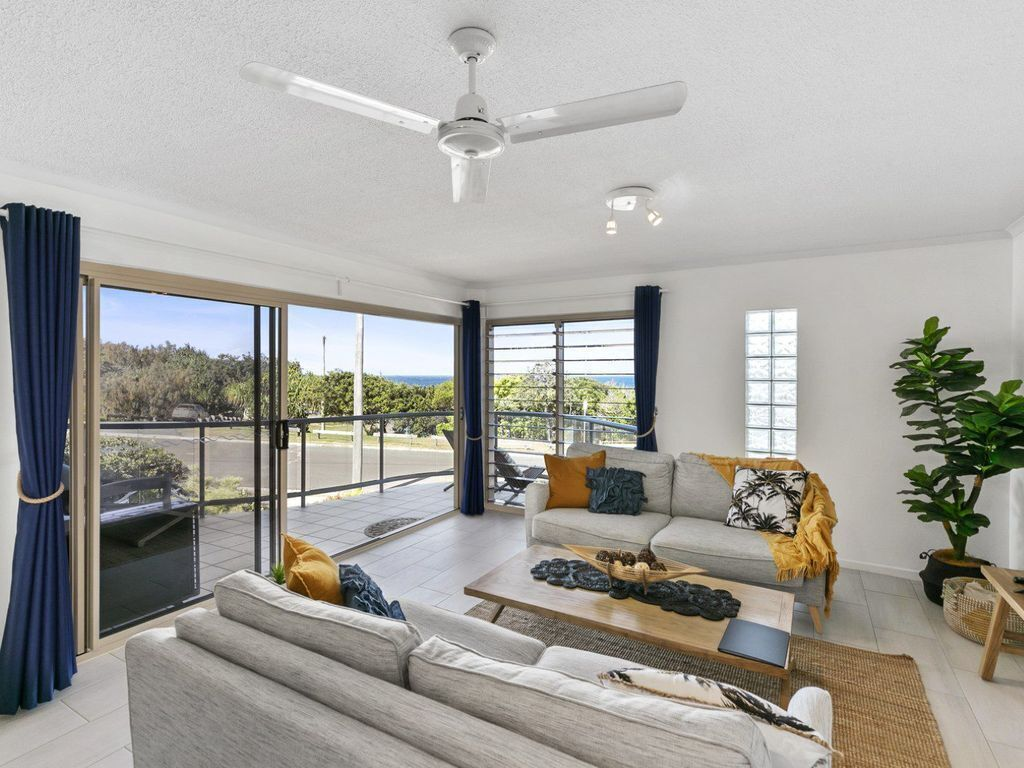 Listen to the Waves – Unit 8 – 15 Andrew Street Pt Arkwright