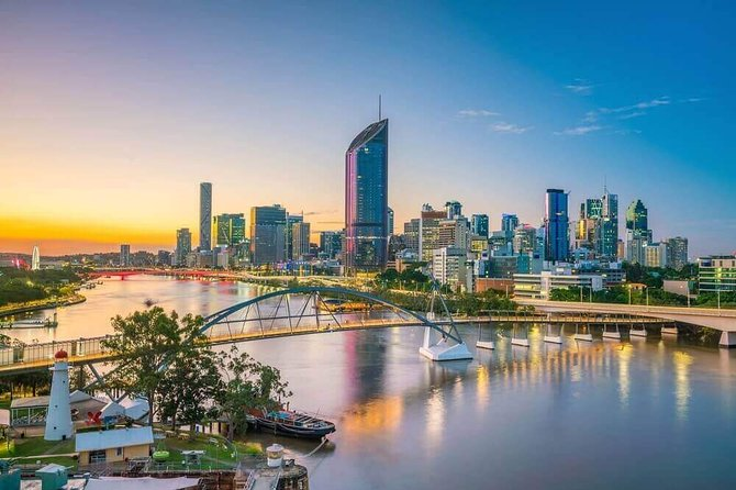 Departure Private Transfers: Brisbane to Brisbane Airport BNE in Business Car