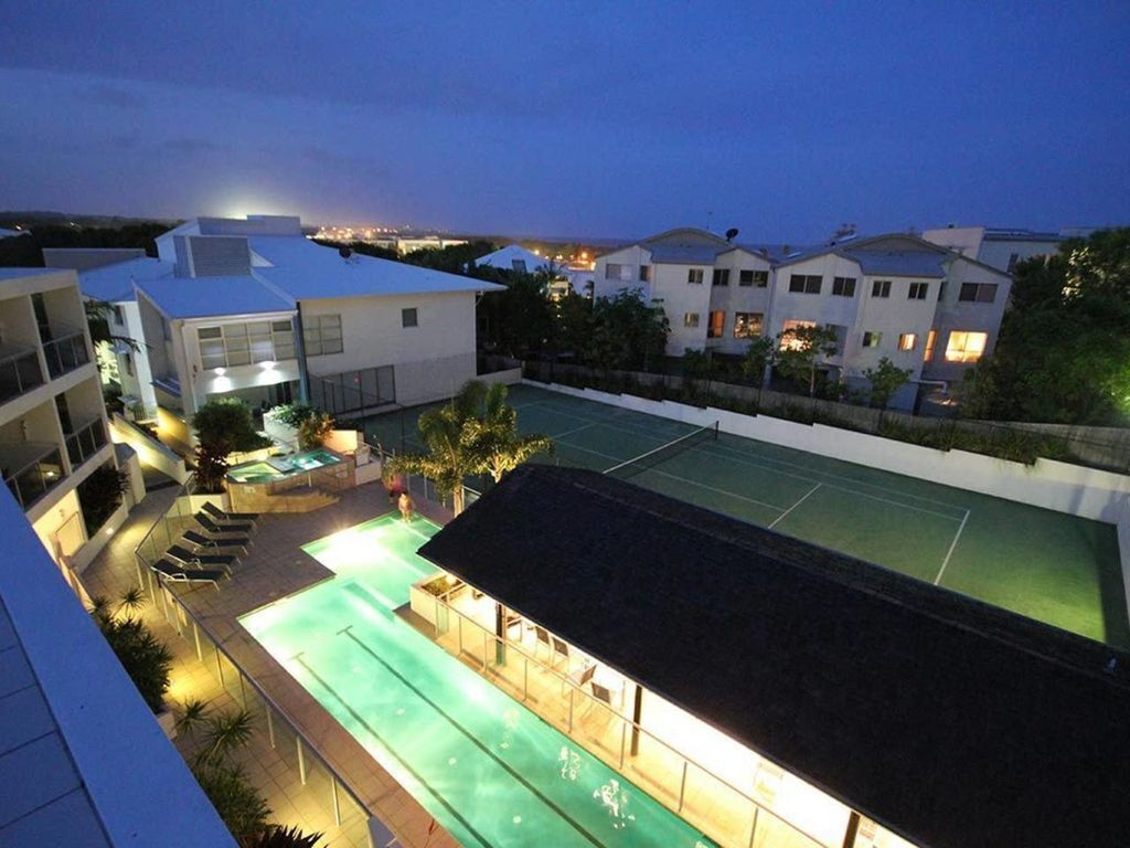2BR Coolum Beach Rooftop Terracespatennispool