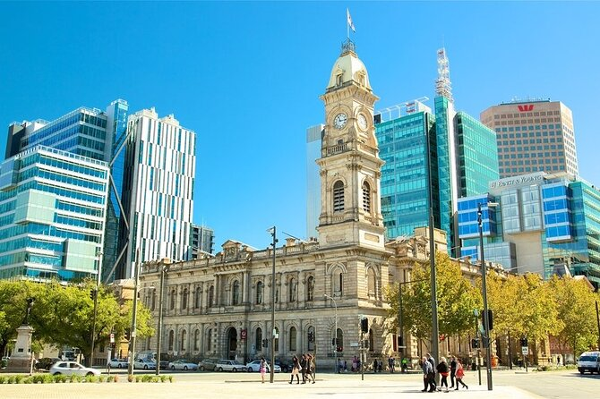 Adelaide Airport Transfers : Airport ADL to Adelaide City in Business Car