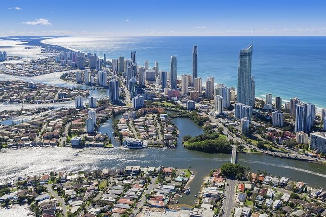 Arrival Private Transfers from Gold Coast Airport OOL to Gold Coast City