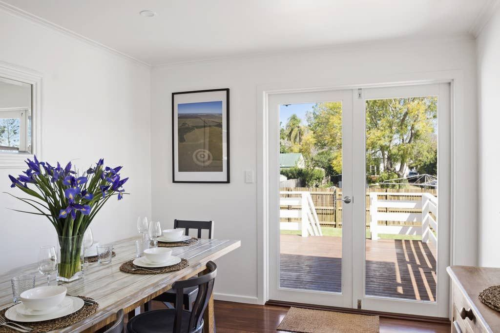 The Lighthouse - 3 Bedroom Comfort and Style in a Quiet Location