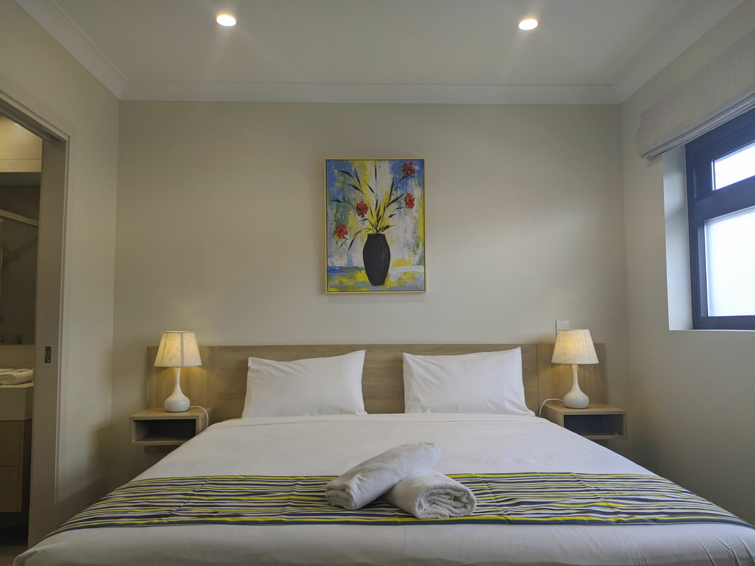 Modern King Room With own Entrance in Brisbane