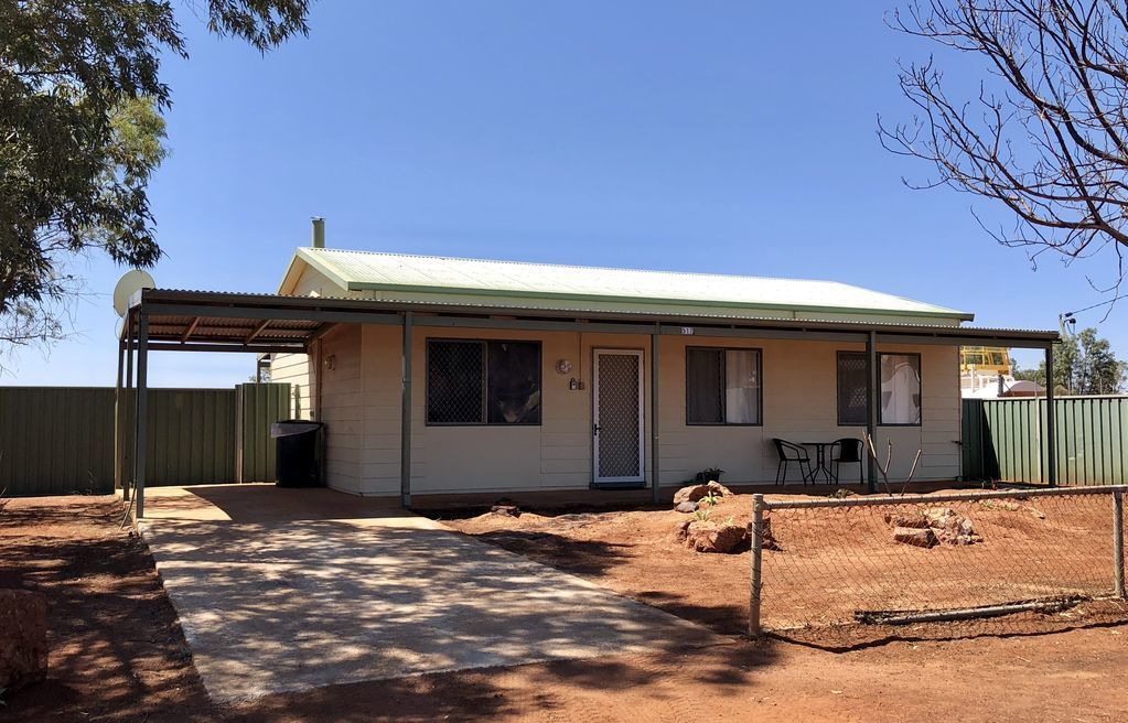 The Breakaway Sandstone- Short & Long Term Holiday Accommodation. Pets Welcome!