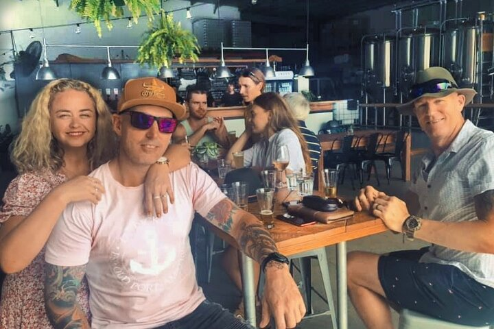 Beer Barons and Spirit Lords Half-Day Tour in Byron with Lunch