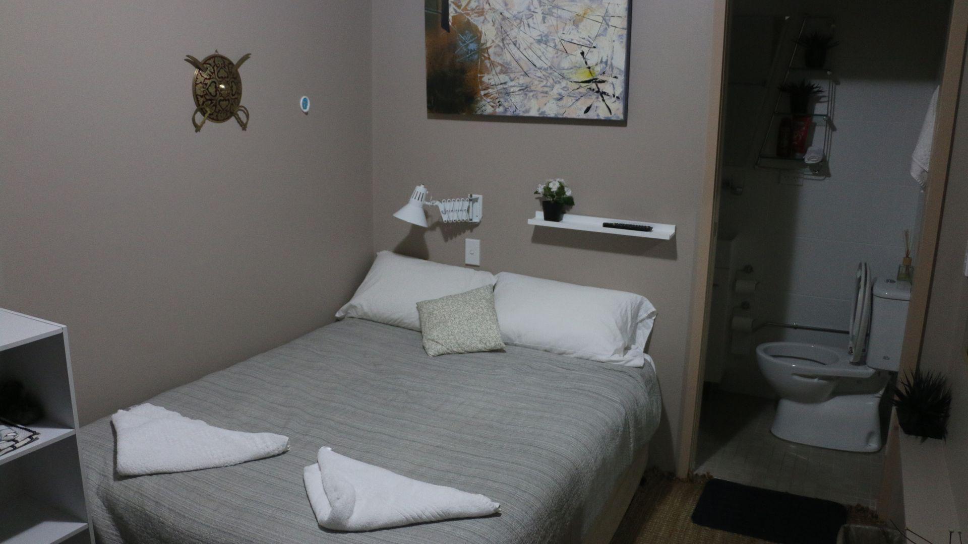 Westside Studio Apartments Room 5