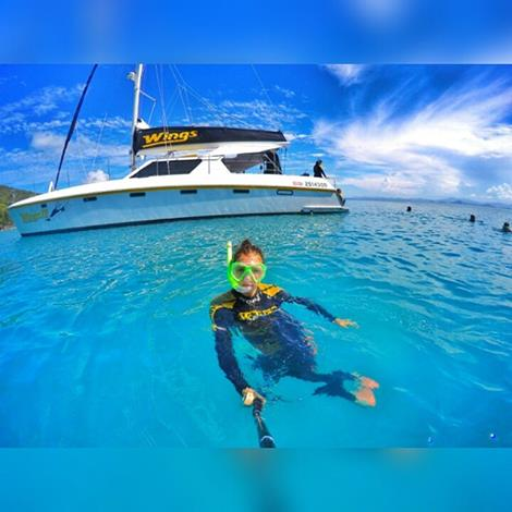 Package 6 East Coast  - Fly over the reef - Sailing Whitsundays - Mulga Adventures Central Australia Tour